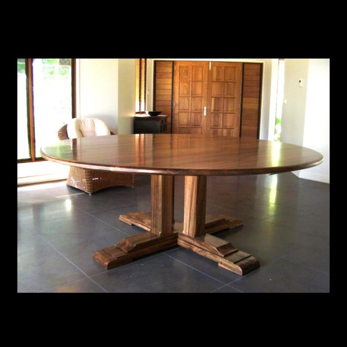 Round Pedestal Dining Table Queensland Walnut